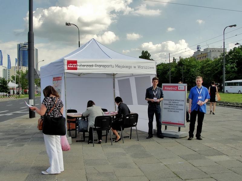 Namiot konsultacyjny #metro2 na rondzie Daszyńskiego 20 maja