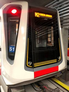 zdjęcie pociągu linii M2