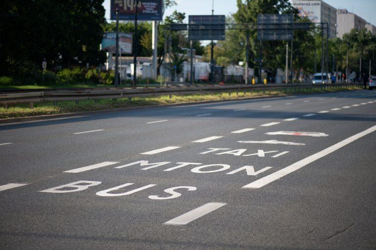 oznaczenia buspasa na ul. Puławskiej
