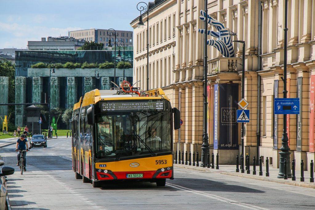 autobus elektryczny na linii 503