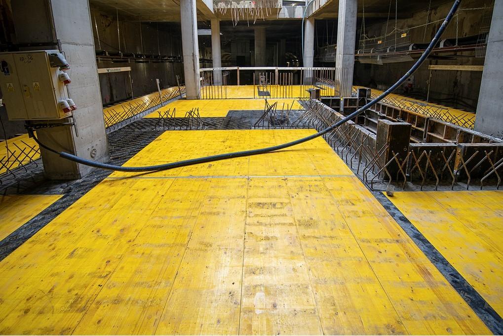 peron podczas budowy