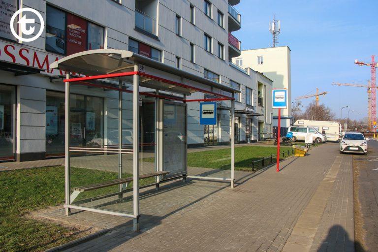 Nowa wiata na przystanku Terespolska 01