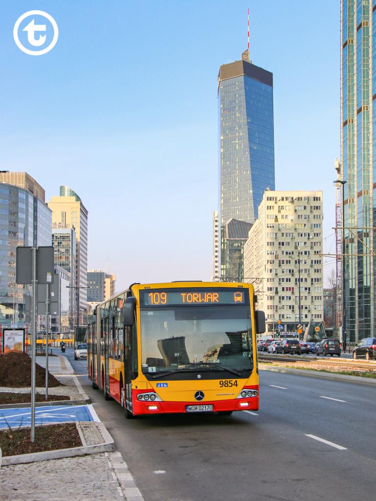 al. Jana Pawła II po renowacji - autobus linii 109