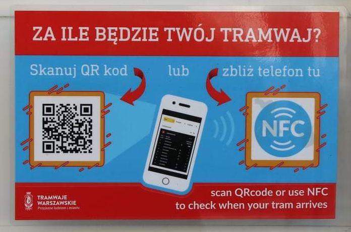 zdjęcie informacji z QR kodem i NFC