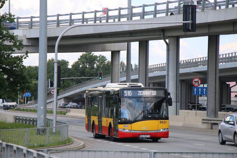 zdjęcie autobusu linii 516
