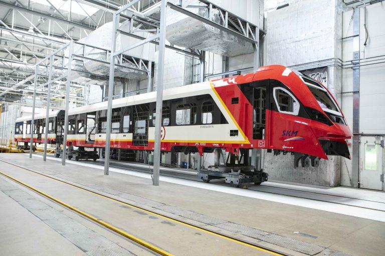 Nowy pociąg w barwach SKM