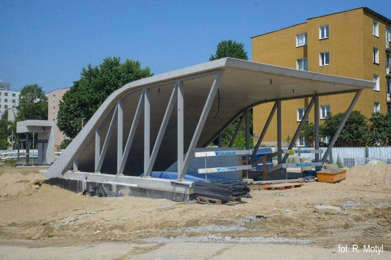 zdjęcie - budowa stacji Bródno - wejście na stację
