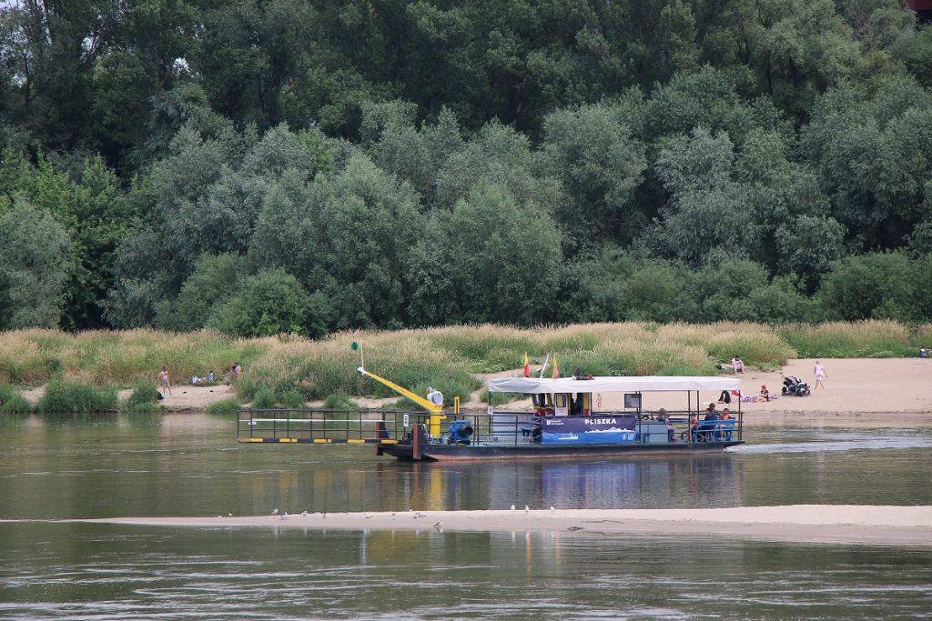 Zdjęcie prZdjęcie promu Pliszka pływającego w ramach Warszawskich Linii Turystycznych