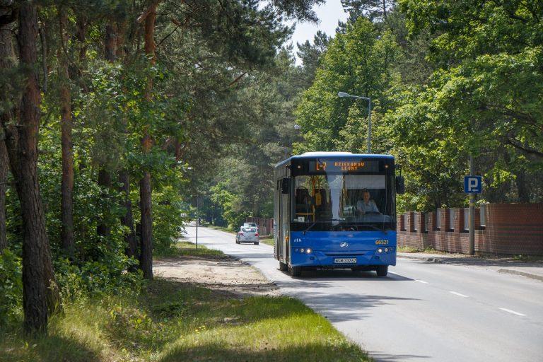 zdjęcie autobusu L