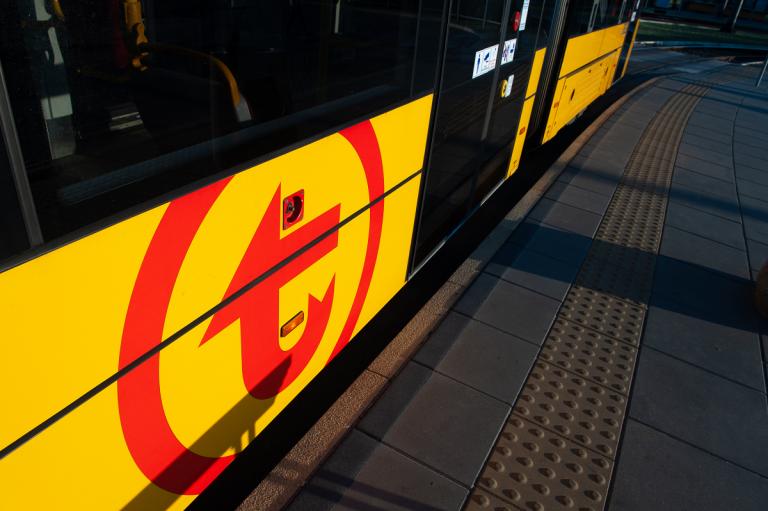 zdjęcie boku tramwaju WTP